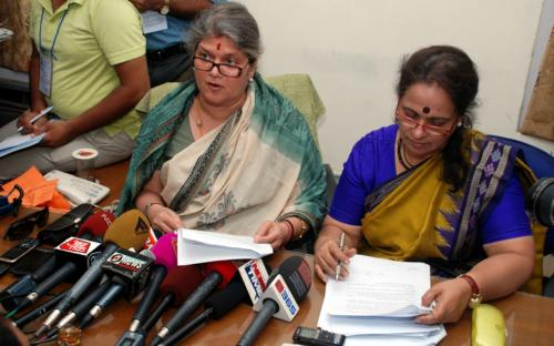 Hon'ble Chairperson Ms. Mamta Sharma alongwith Member Ms. Nirmala Samant Prabhavalkar submitted a list of recommendations to Assam Chief Minister Tarun Gogoi on the July 10th molestation of a girl in the Guwahati city