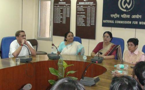 Dr. Kiran Bedi visited the Commission and meet the Chairperson, NCW