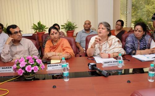 NCW signed an MoU with HUDCO to improve living conditions of destitute women