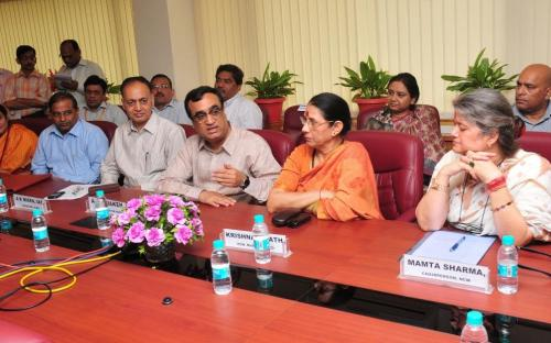 The Union Minister for Housing & Urban Poverty Alleviation, Shri Ajay Maken, the Minister of State (Independent Charge) for Women and Child Development, Smt. Krishna Tirath, the Chairperson of NCW, Smt. Mamta Sharma and the Secretary, HUPA, Shri A.K. Mishra at the signing ceremony of an MoU between NCW and HUDCO to improve living conditions of destitute women, in New Delhi on May 07, 2013.