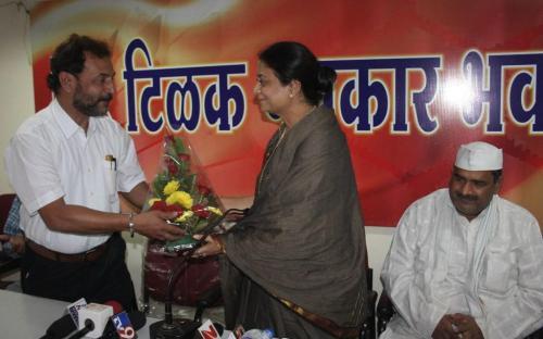 "Ms. Shamina Shafiq, Member, NCW interacted with Nagpur media during a ""Meet the Press"" programme organized by Nagpur Union of Working Journalist (NUWJ) at Tilak Patrakar Bhawan, Nagpur"