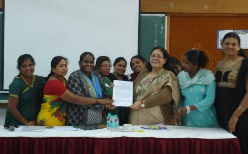 Smt. Lalitha Kumaramangalam, Hon'ble Chairperson, NCW with community representatives and sex workers living with HIV at New Delhi