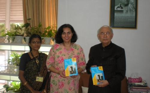 """His Excellency Shri H.R.Bhardwaj, Hon'ble Governor of Karnataka met Dr. Charu Wali Khanna, Member, NCW and Ms. Kareena Thengamam, PRO, NCW during their visit to Bangalore on 16.10.2011, with regard to """"Protection of women against Sexual Harassment at Work Place"""""""