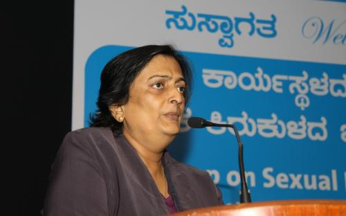 Ms. Shanta Rangaswamy, First Captain of Indian Women's Cricket Team, giving vote of thanks