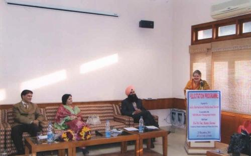 Hon'ble Chairperson attended a Felicitation Programme organized by India International Intellectual Society in association with MBA Disaster Management at University of Delhi